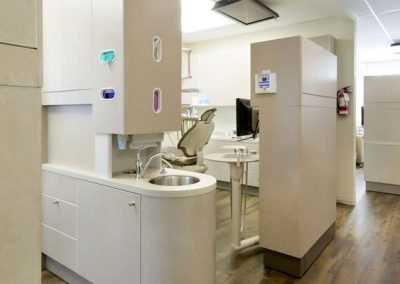 apple-dental-implant-vancouver-picture-4