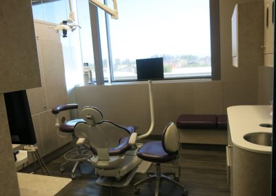 Apple Dental Implant Centre - Abbotsford